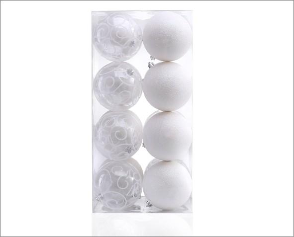 białe bombki